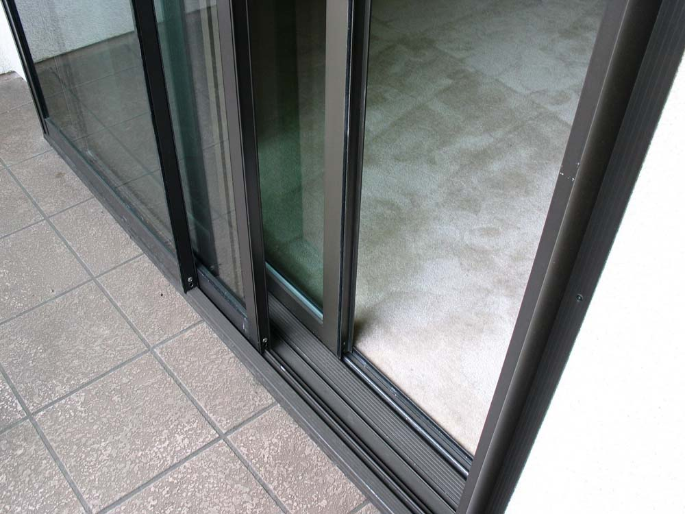 Soundproof Sliding Glass Door - Bottom